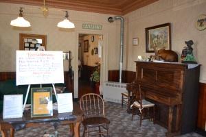 Inside Saltsman's